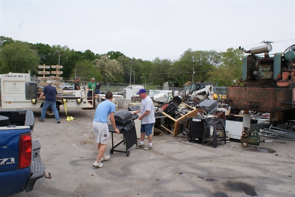 Bellevue's Spring Clean Up is Saturday! (May 14, 2016)